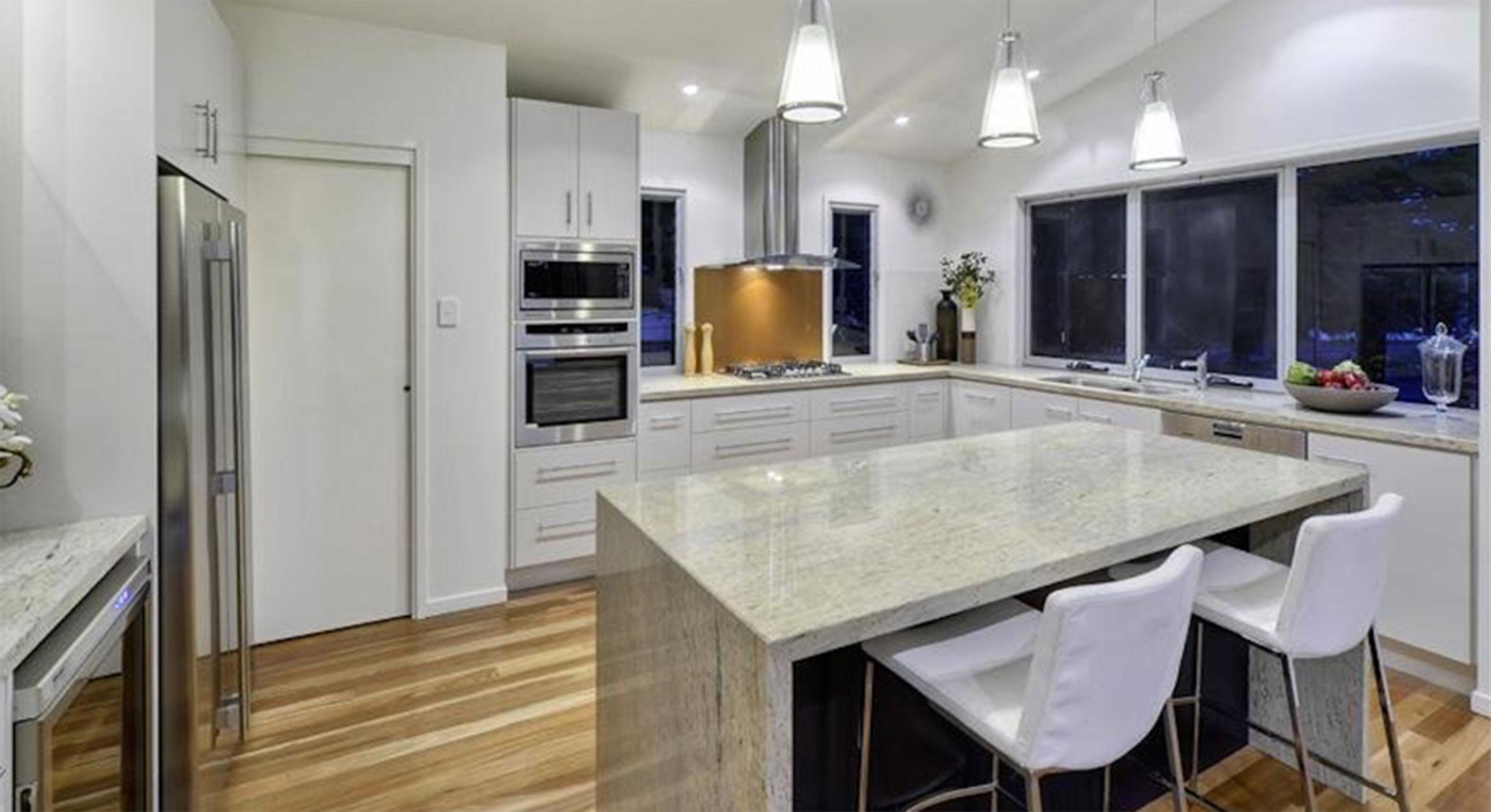 portfolio-2-slider-image-8-kitchen-newmarket-gary-cramb-constructions-brisbane