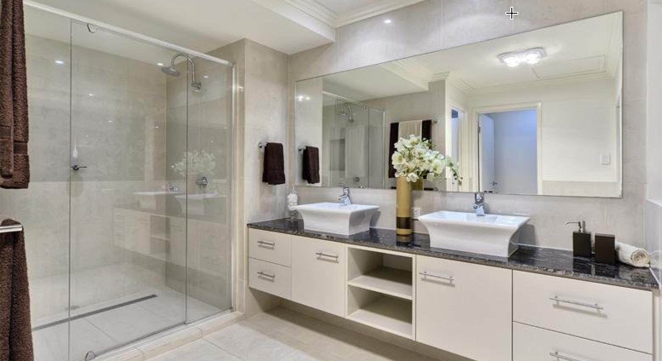 portfolio-2-slider-image-2-bathroom-newmarket-gary-cramb-constructions-brisbane