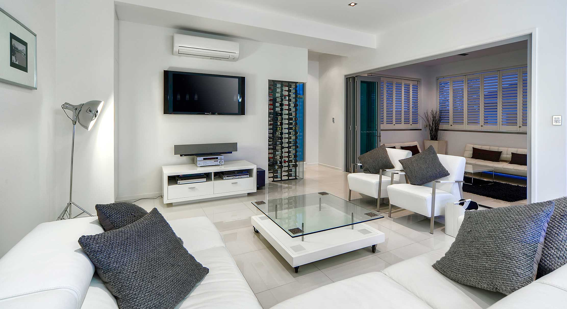 portfolio-1-slider-image-8-tv-entertainment-area-hamilton-gary-cramb-constructions-brisbane